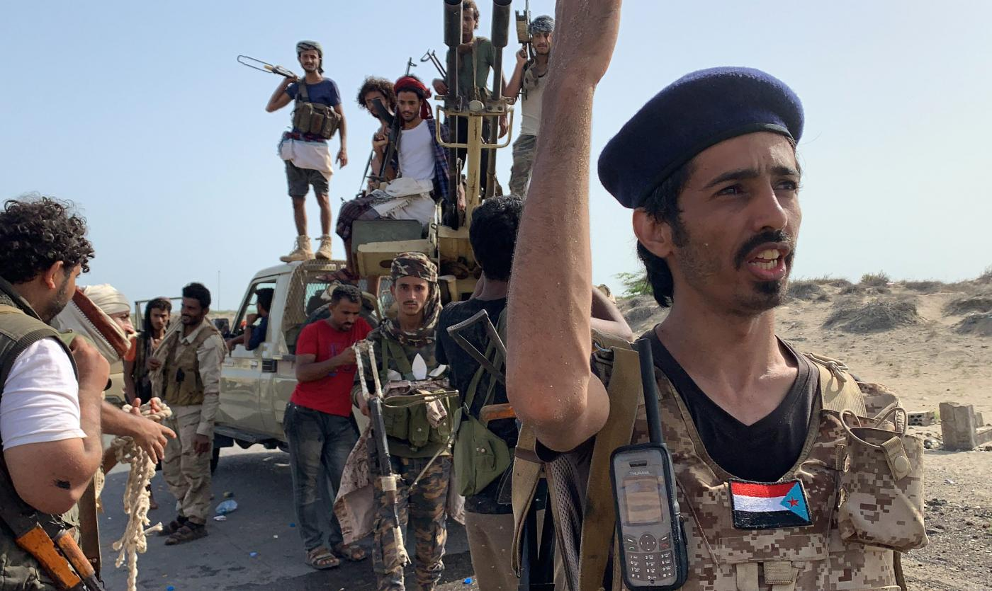 Saudis say Yemen's government, separatists agree to truce