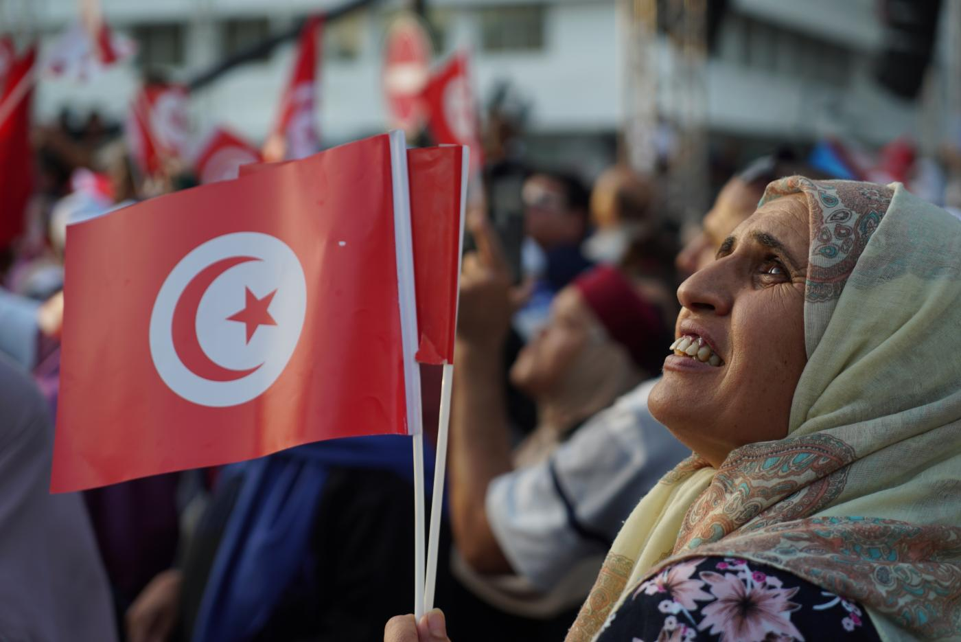 Tunisians vote into parliamentary election