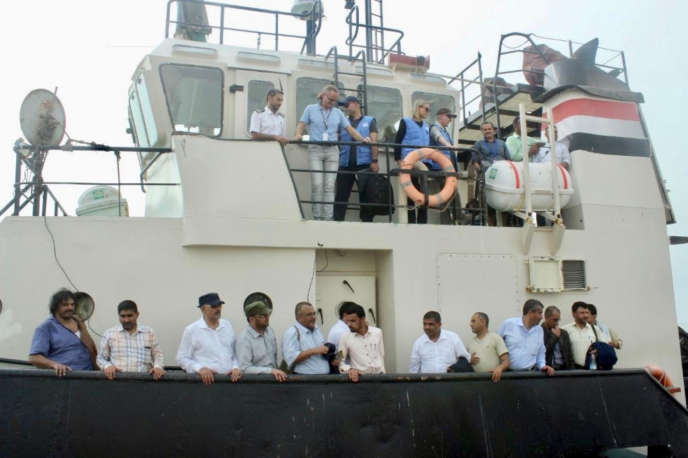 Yemen's warring sides meet 'aboard United Nations  vessel' over port city Hodeida