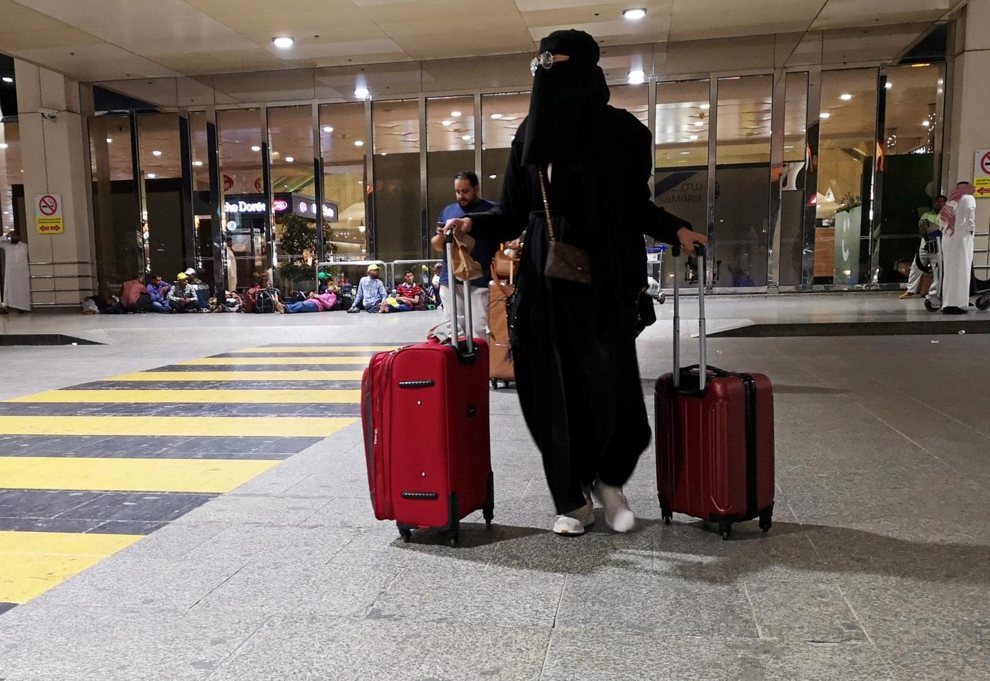Saudi Arabia ends travel restrictions for women