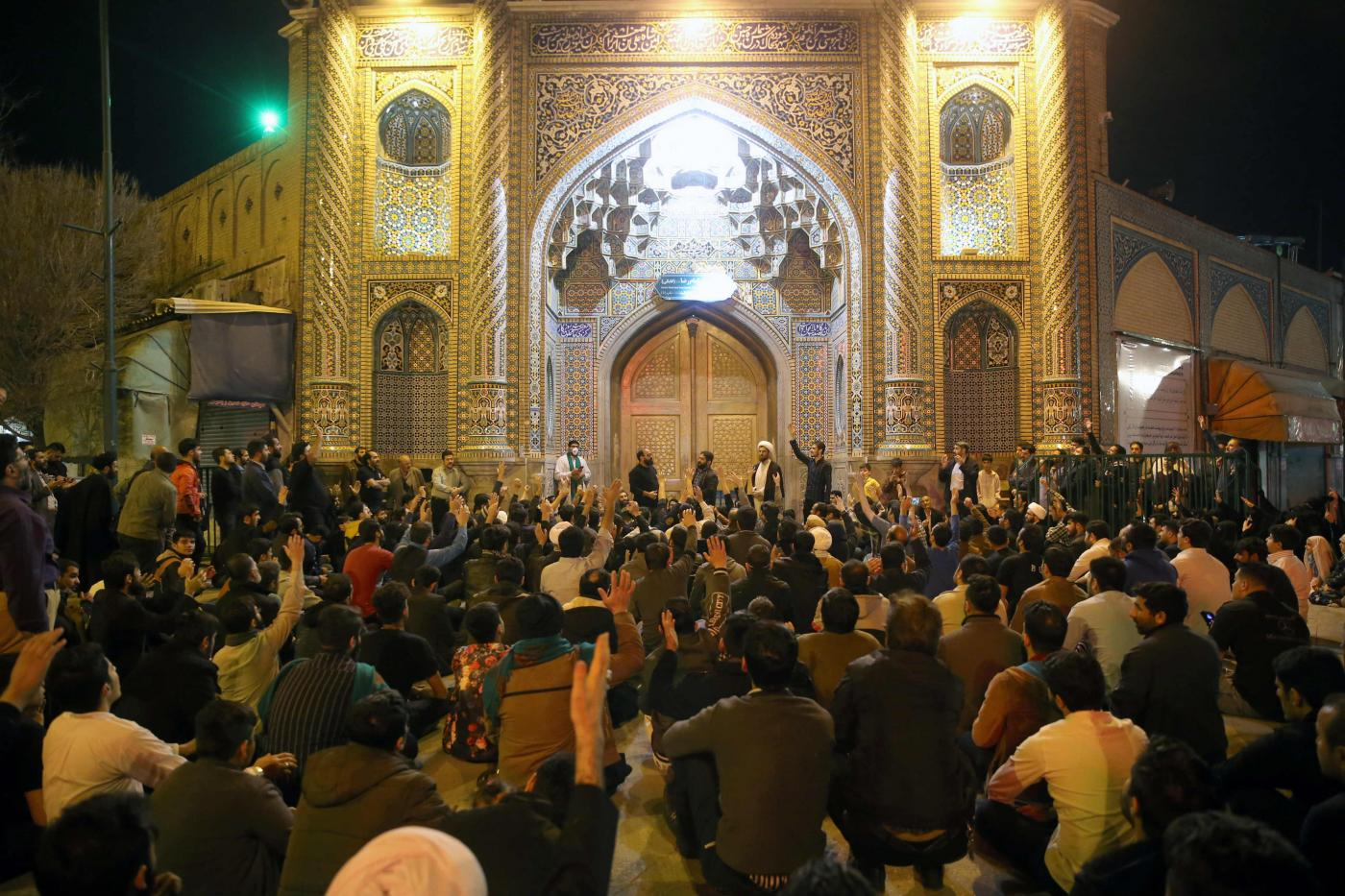 Coronavirus: Hardliners fear raids on Iran's closed shrines suggest deeper threat