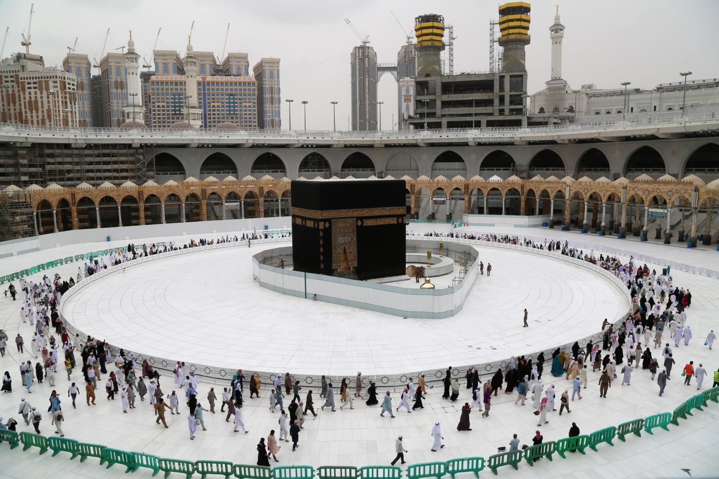Saudi Arabia to reopen Makkah mosques tomorrow