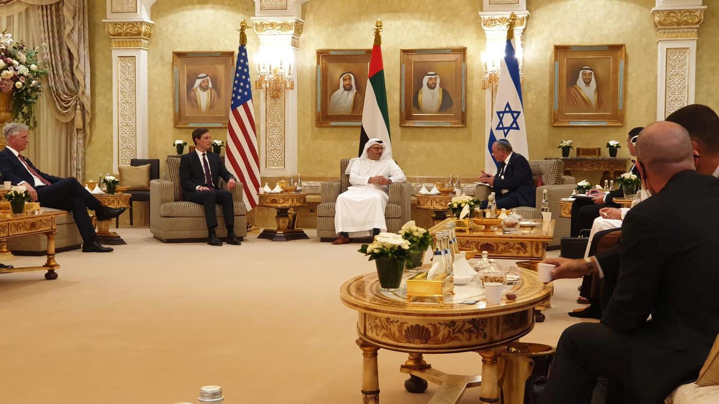 Israel-UAE deal: US-Israeli delegation lands in Emirates for normalisation summit | Middle East Eye
