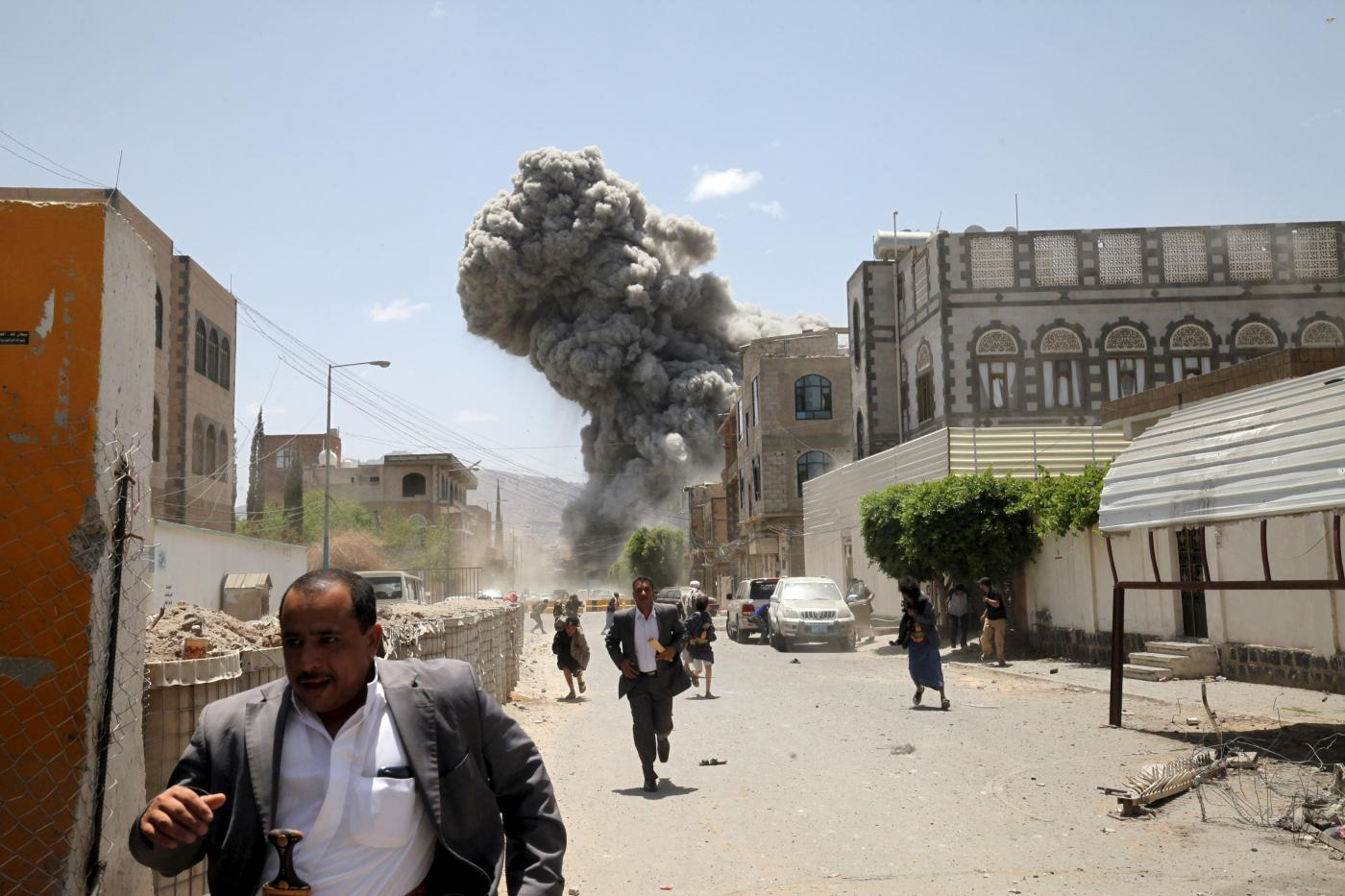 Saudi-led coalition announces Yemen ceasefire and aid