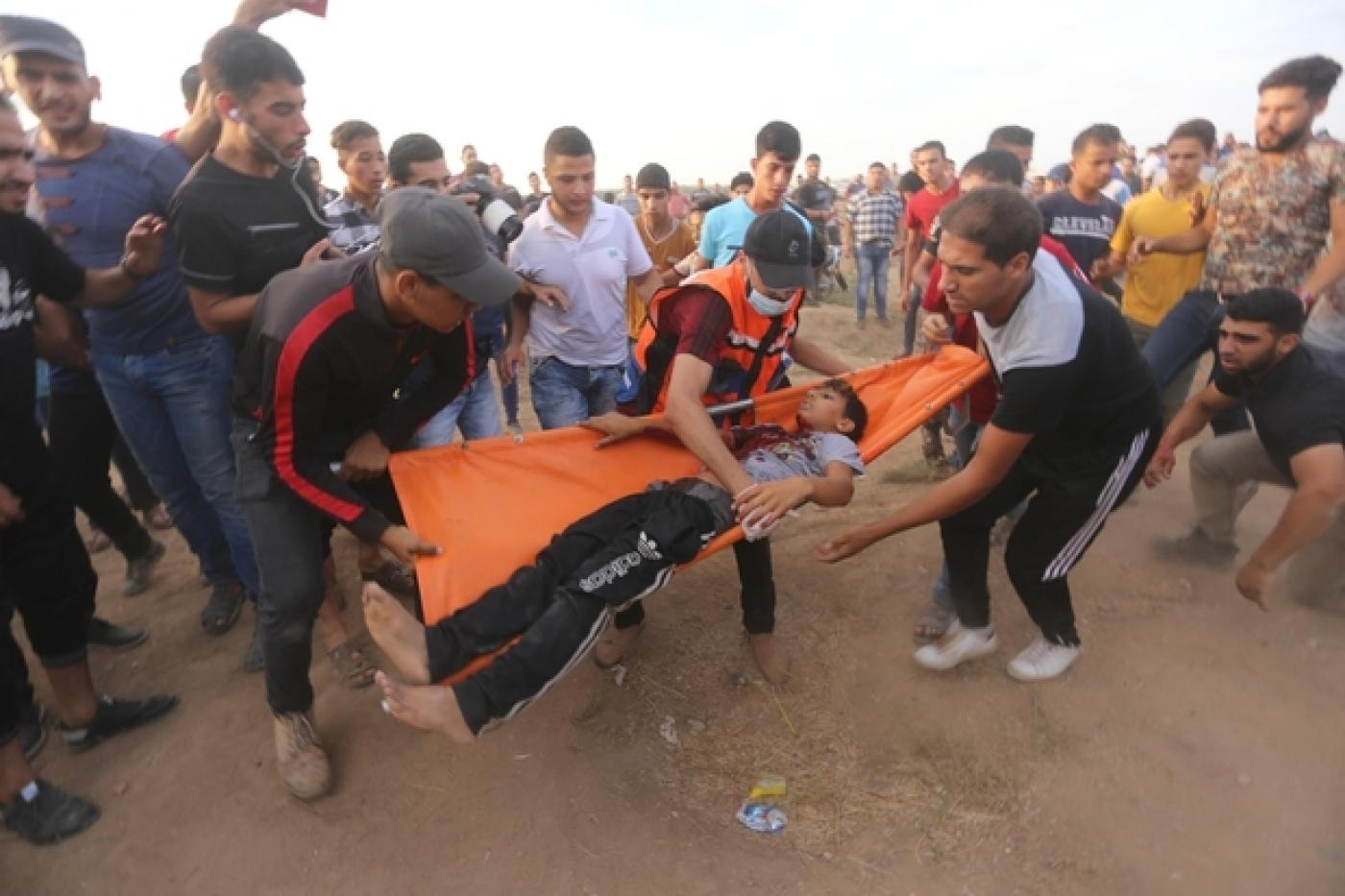 Palestinian teenager shot with tear gas canister by Israeli