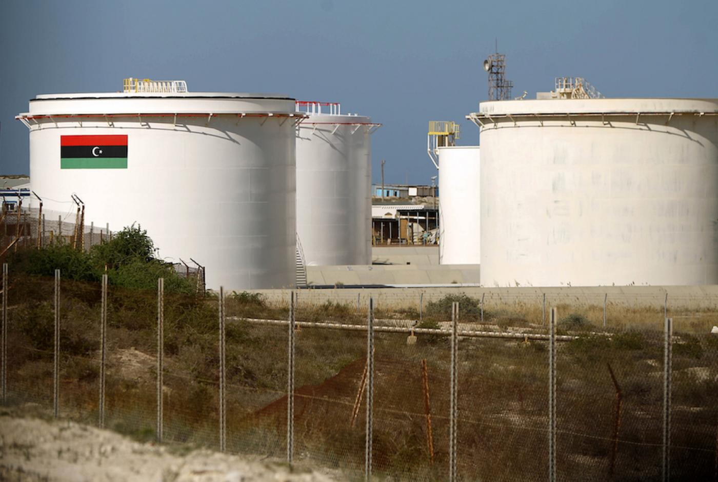 Libyan crude pipeline destroyed by armed militants, say