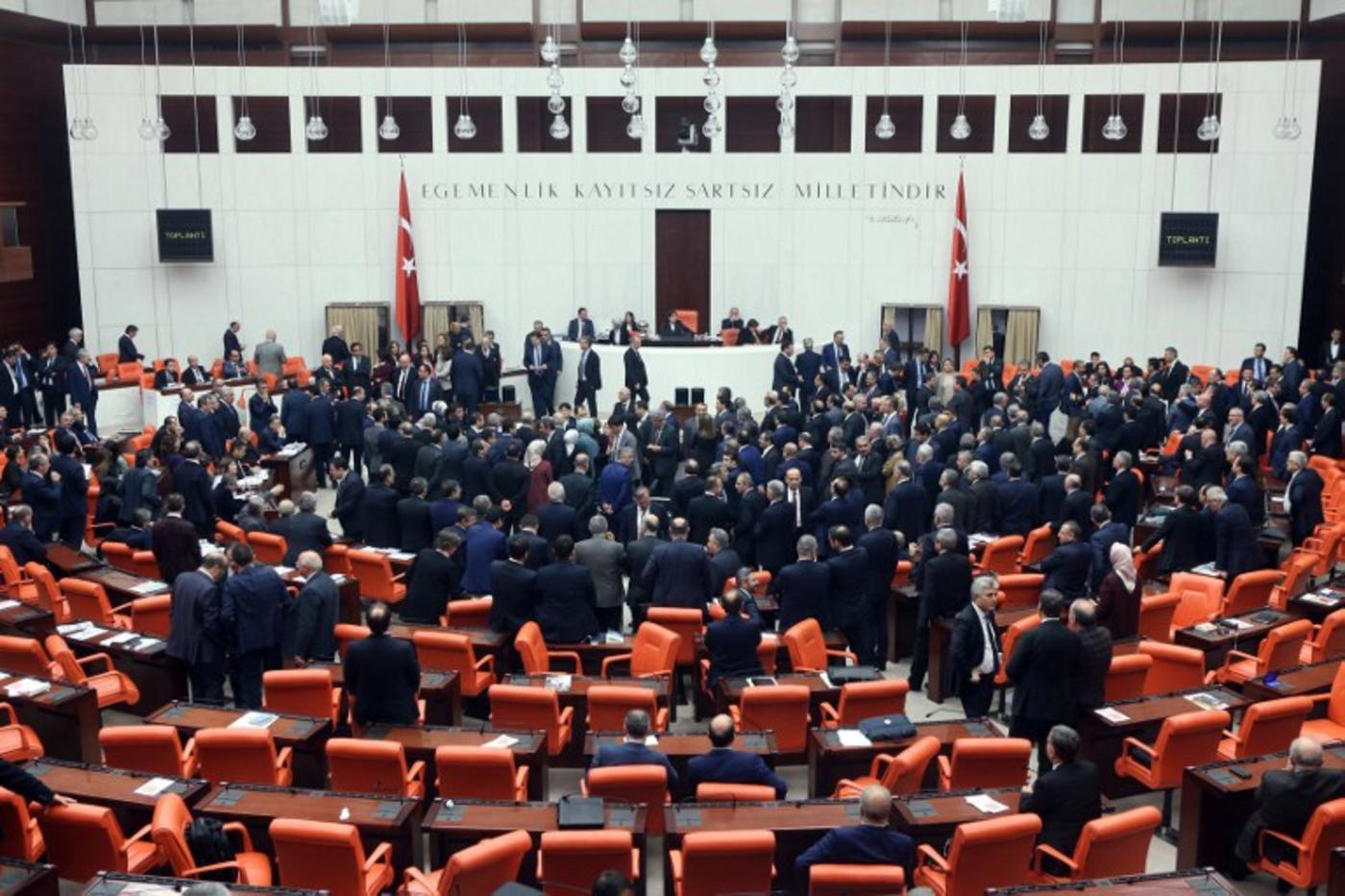 20 turkeys constitutional referendum - HD1400×933