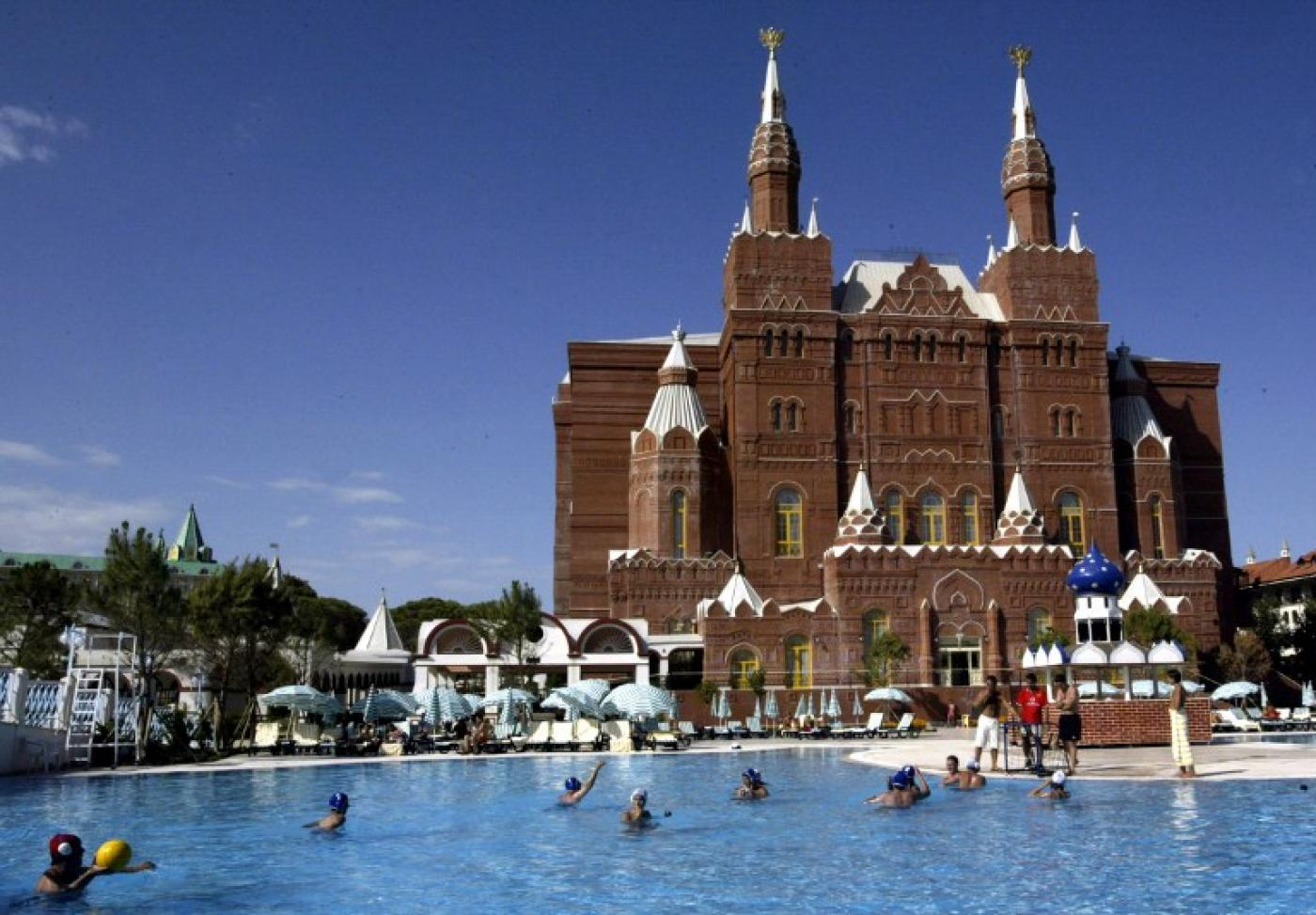 Not a Russian in sight: Turkish tourism slumps amid ongoing