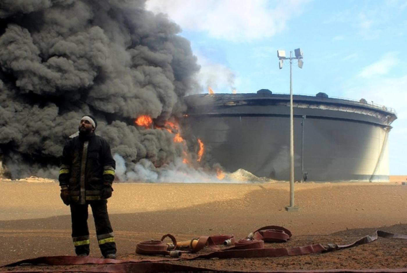Haftar hands control of key Libya oil facilities to allies in east | Middle  East Eye