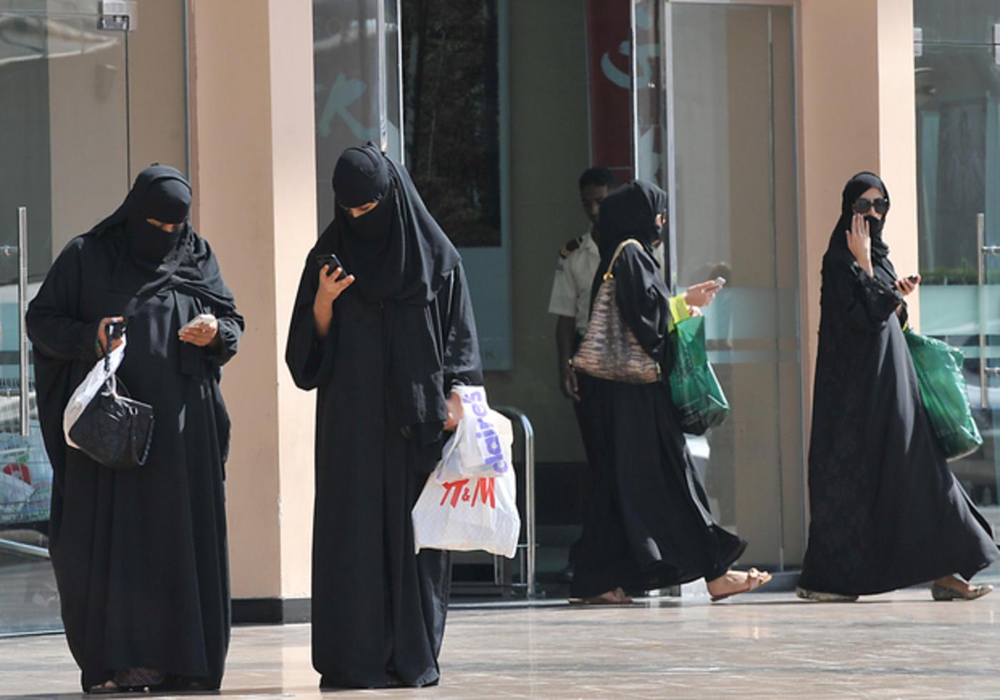 Saudi Arabia arrests nine women for breaking public decency laws