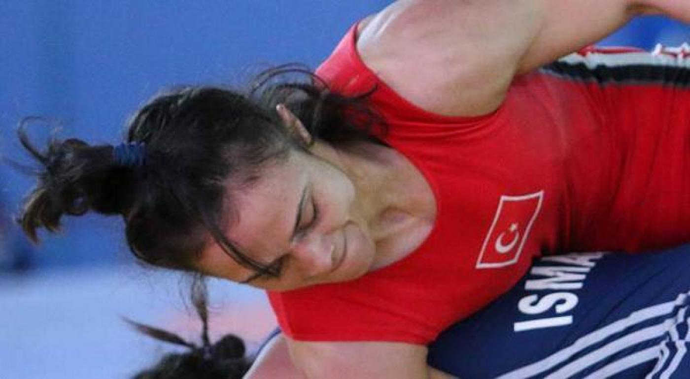 Turkish female wrestler goes for gold, makes history | Middle East Eye