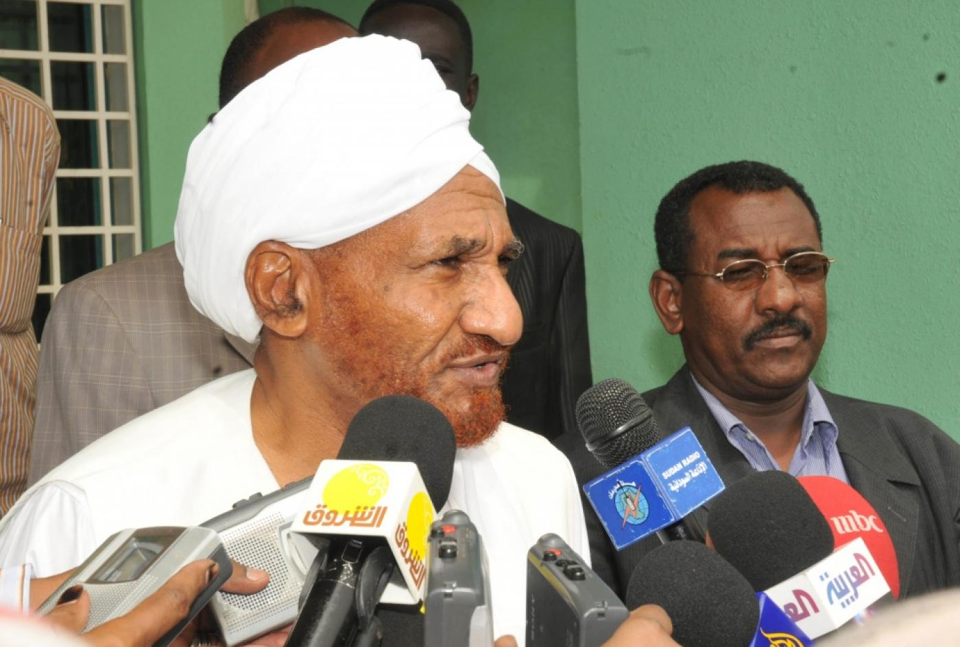 Sadiq al-Mahdi, Sudan former prime minister, dies of COVID-19