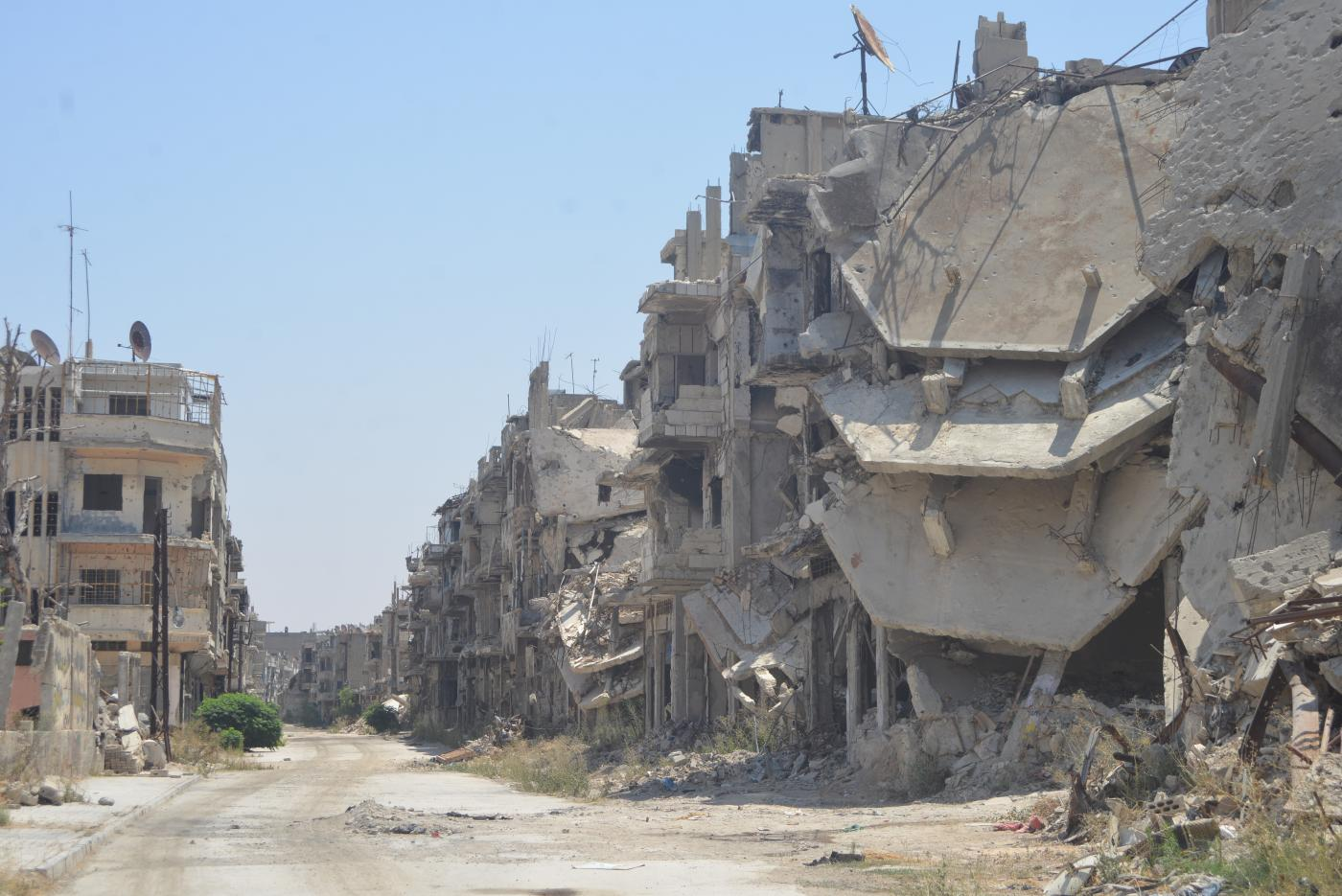 Extreme Tourism Wanderlust Westerners Drawn To War Torn Syria