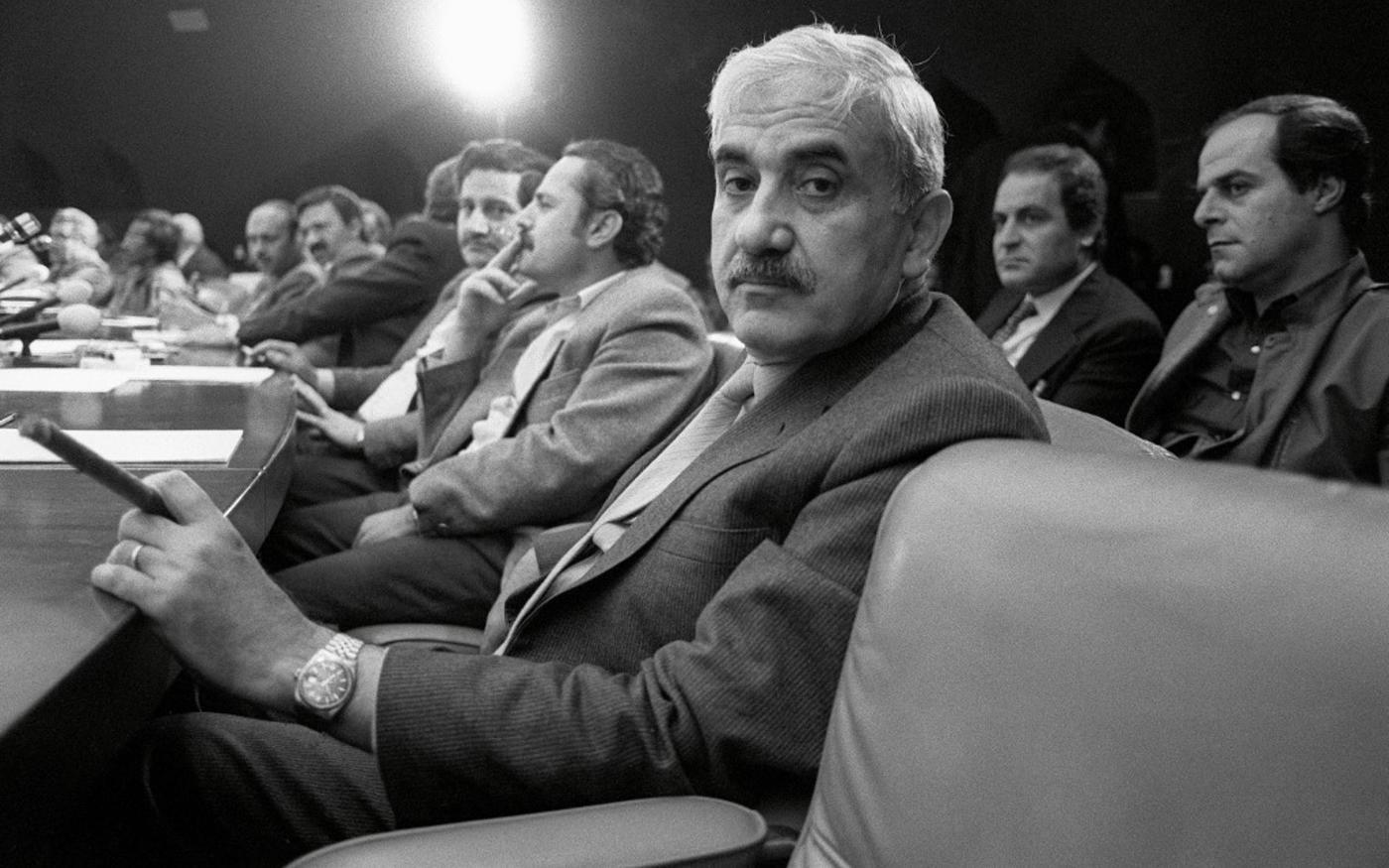 Georges Habache, chef du FPLP, dans une réunion du Conseil national palestinien pour décider s'il faut reconnaître Israël, le 12 novembre 1988 à Alger (AFP)