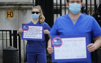 'Şimdi harekete geçmeliyiz': Birleşik Krallık Müslümanları, hükümetin rahatsızlığı ortasında Covid-19'un yükünü taşıyor 5