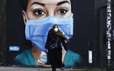 'Şimdi harekete geçmeliyiz': Birleşik Krallık Müslümanları, hükümetin rahatsızlığı ortasında Covid-19'un yükünü taşıyor 4