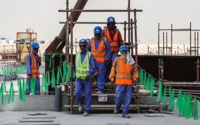 Katar, Dünya Kupası çalışanları arasında ilk koronavirüs ölümünü bildirdi 2