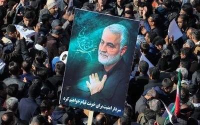 İran, Qassem Soleimani'nin öldürülmesiyle ilgili Trump için tutuklama emri çıkardı 2
