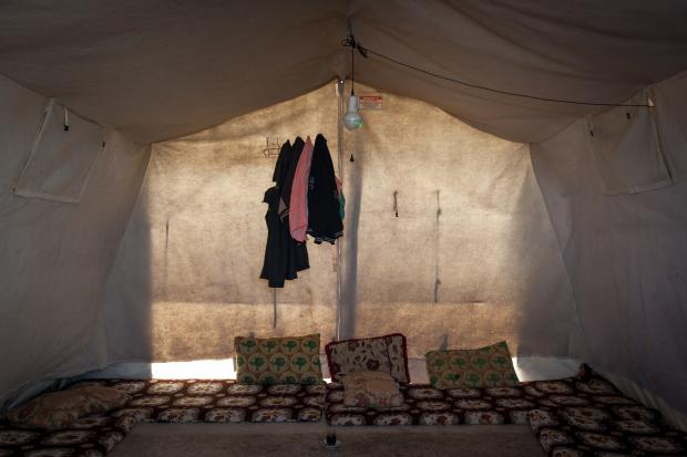Life inside a tent at Sharia Camp, Duhok, Iraq, home to an estimated 19,000 people (Sebastian Castelier)