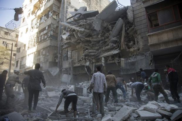 Moscow Vows to Press on with Syria Offensive