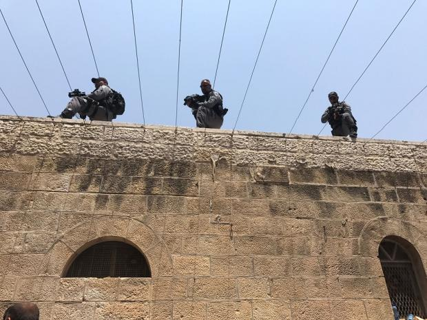 Israeli police take high positions before Friday prayers