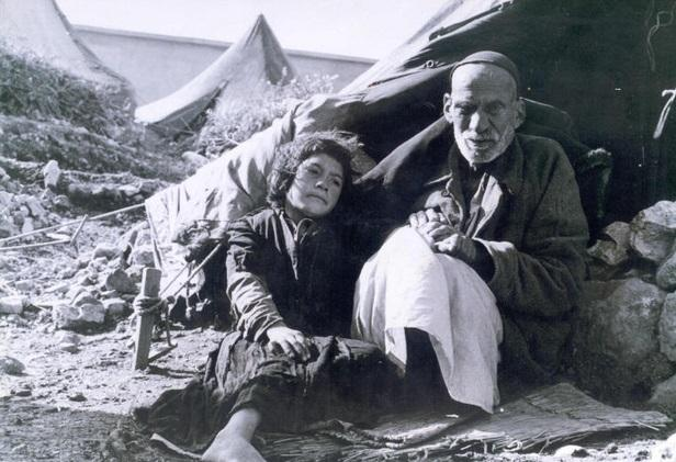 Two Palestinians who became refugees when they were expelled from their home in 1948 (Wikimedia)