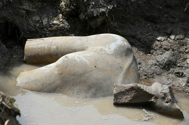 Archeologists discover 3000-year-old ancient pharaoh statues in Cairo
