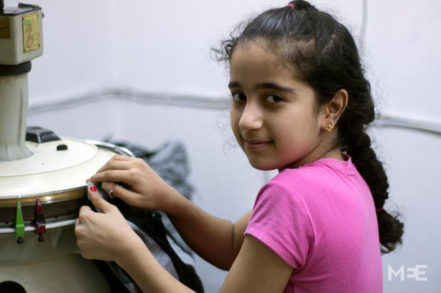Nevin Omar working the in sewing workshop (MEE/Xander Stockmans)