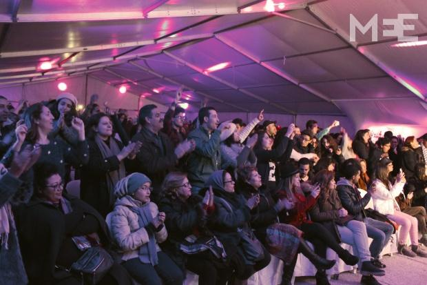 The audience enjoys a live performance at Sicca Jazz Festival (MEE/Eric Reidy)