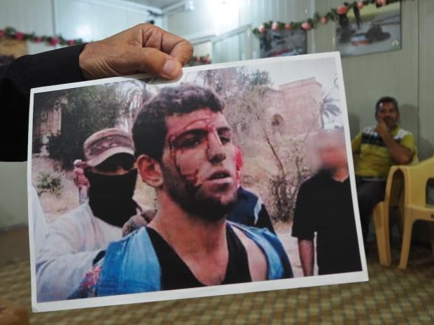 Iraqi families still waiting for bodies from Islamic State massacre