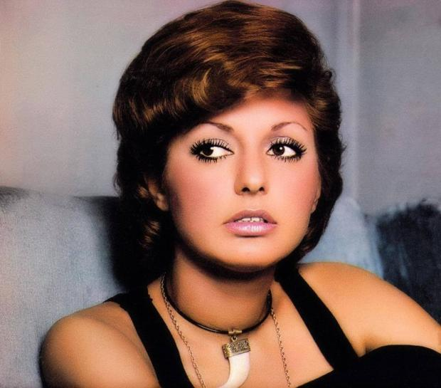Iranian Singer Googoosh Advised By Lawyers Not To Fly To
