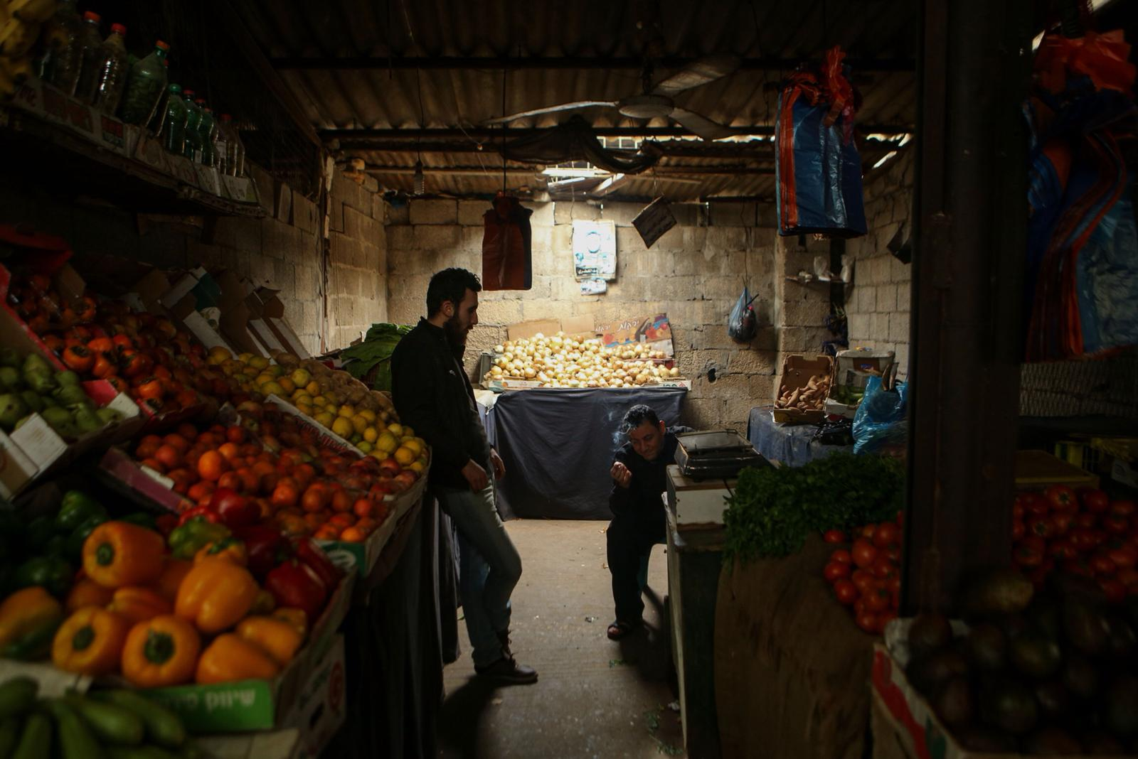 Palestinian businesses can only rely on light during the daylight hours (MEE/Mohammed al-Hajjar)